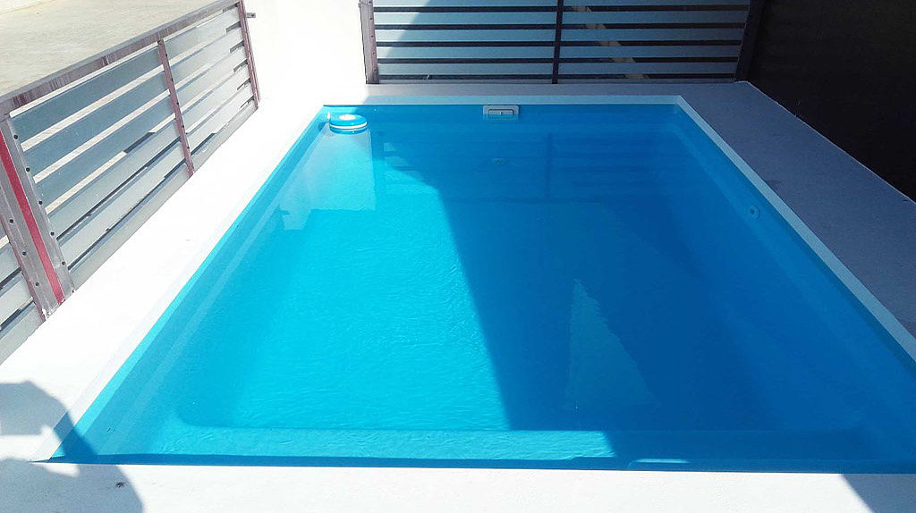 Piscina mini c35max con valla perimetral